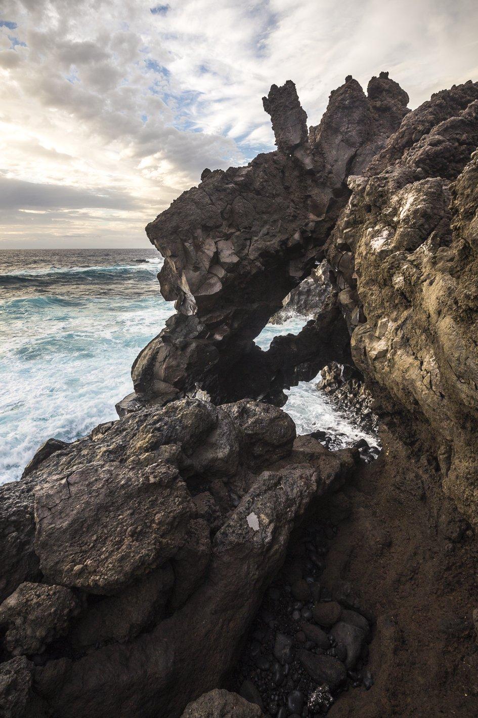 Lava magma nell'Oceano Atlantico